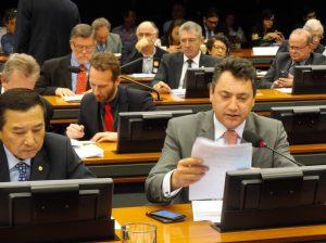 Sérgio Souza apresenta parecer favorável à equalização de taxas para financiamento agropecuário