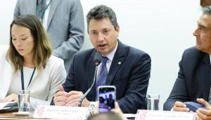 Sérgio Souza assume presidência da Comissão de Finanças e Tributação da Câmara