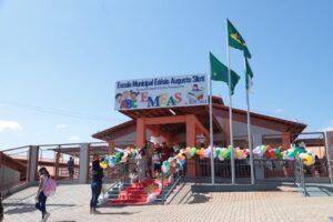 escola assis 300x200 - Fotos